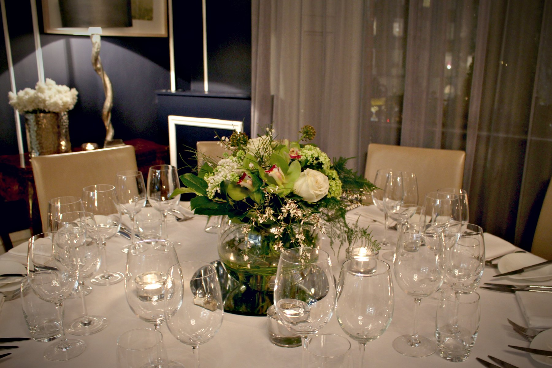 No. 25 Fitzwiliam PLace | Wedding Open House | Blooming Amazing | Wedding Table Arrangements