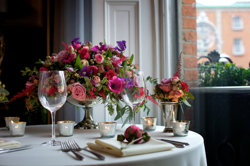Five things to consider when choosing your wedding flowers.