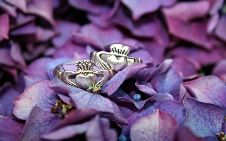 Claddagh rings, wedding rings, traditional wedding rings