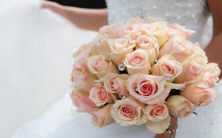 wedding flowers, bridal bouquet, wedding day,