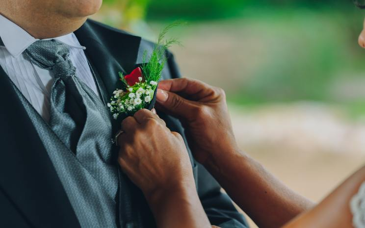 DIY wedding flowers, DIY wedding favours, DIY wedding table plan
