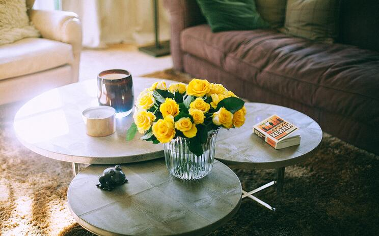 yellow flowers, pantone colour 2021, wedding colours 2021